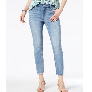 Style & Co, Skinny Frayed-Cuff Ankle Jeans Sz8